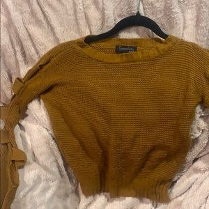 Vintage SWEATER Cut out on the arms